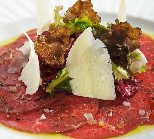 carne all'albese con yartufo bianco