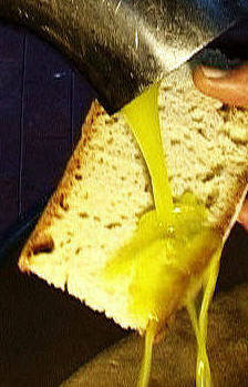 pane di matera e olio