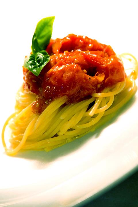 spaghetti pom. e bas